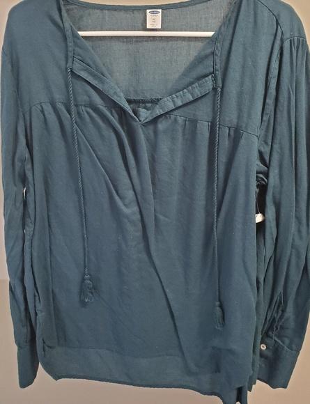 Old Navy Tops - Long sleeve tassel shirt